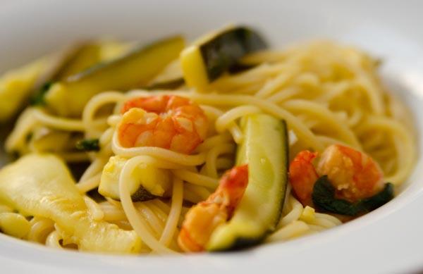 Frische pasta mit shrimps und zucchini was soll ich nur for Was soll ich kochen